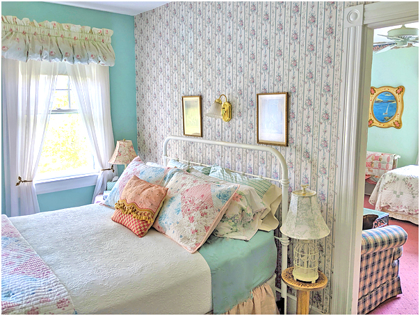 Cottage Suite Bed with Quilt